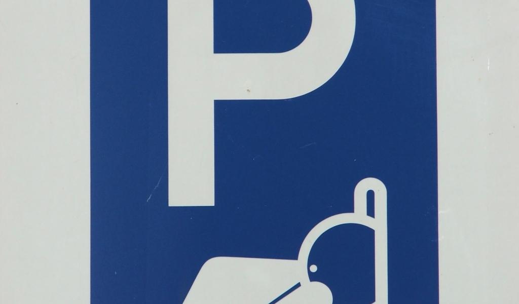 Parkeerdek Aarhof geopend; half januari definitieve oplossing