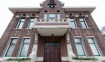 Gemeentehuis Boskoop mogelijk bibliotheek en school
