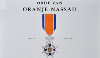 Koninklijke bevordering voor oud-wethouder Hans Groen in 't Wout