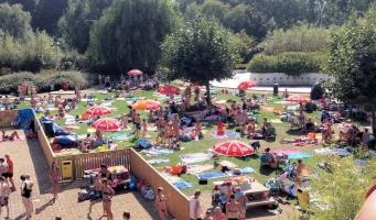 Zwembad De Hoorn is extra lang open!