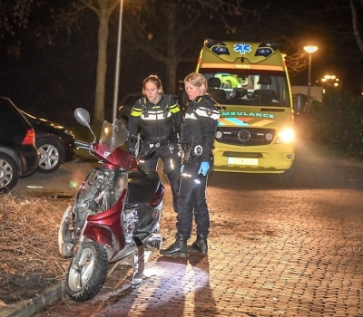 Scooterrijder gewond na valpartij op de Aarkade