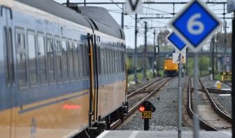 Werken aan het spoor rond Alphen in zomervakantie