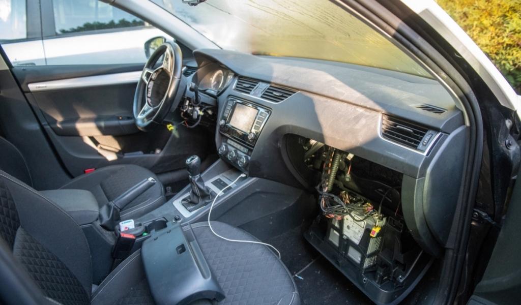 Meerdere auto's opengebroken en airbags gestolen