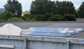 Gemeente plaatst 1200 zonnepanelen op eigen daken