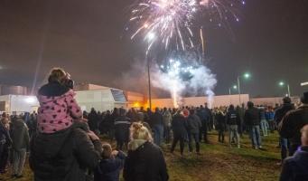 Honderden Alphenaren aanschouwen vuurwerkshow