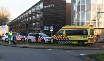 Scooterrijdster aangereden op rotonde Europalaan