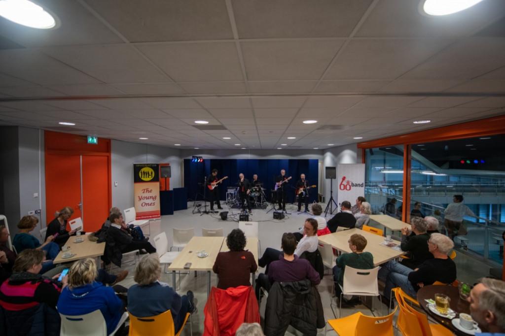 Gluren bij de Buren feestelijk geopend door wethouder Gert-Jan Schotanus