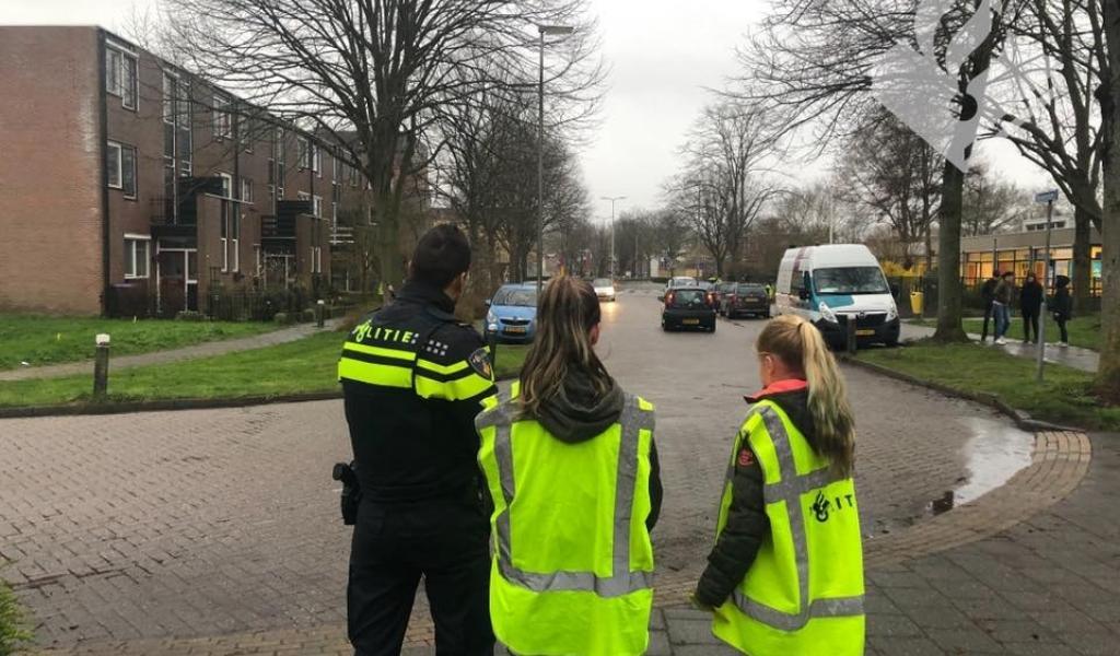 Leerlingen 't Spectrum actief tegen parkeeroverlast