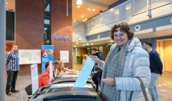 Burgemeester Spies stemt bij Provinciale Staten verkiezingen