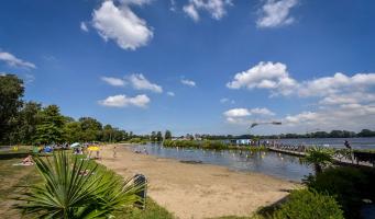 Zwemseizoen geopend, twee in plaats van drie zwemlocaties in Alphen