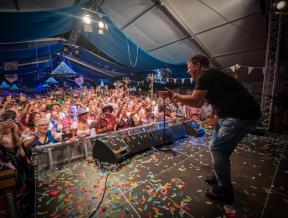 Gerard Joling, Danny de Munk en Snollebollekes naar Alphense Oktoberfeesten