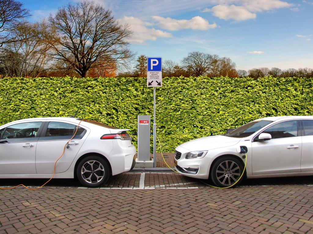 electric-car-2783573_1920.jpg
