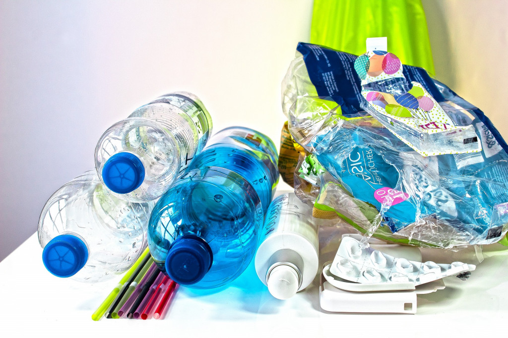 plastic-waste-3962409_1920.jpg