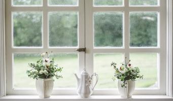 white window raam