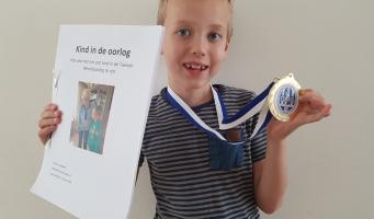Achtjarige Marcus wint werkstukkenwedstrijd Universiteit Leiden