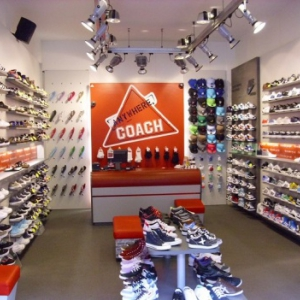 M.R.N.vd Laan/THE ATHLETES FOOT Alphen ad R.